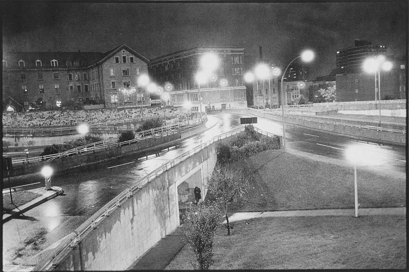 Bertrand Carrière, Viaduc, Montréal (extrait de Chronique nocturne). © Bertrand Carrière