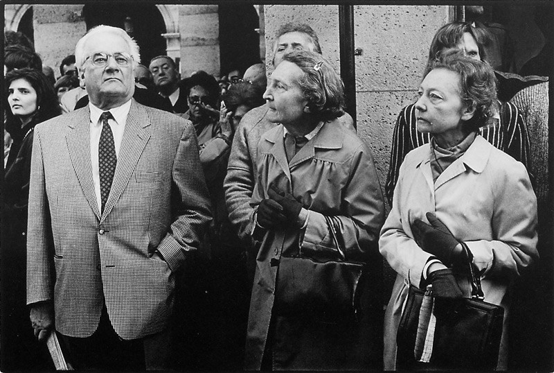 Michel St-Jean, Sans titre (de la série Défilé annuel du Front National de Jean-Marie Le Pen, ayant lieu chaque année à Paris, en mai, le jour de la fête de Jeanne d'Arc). ©Michel St-Jean