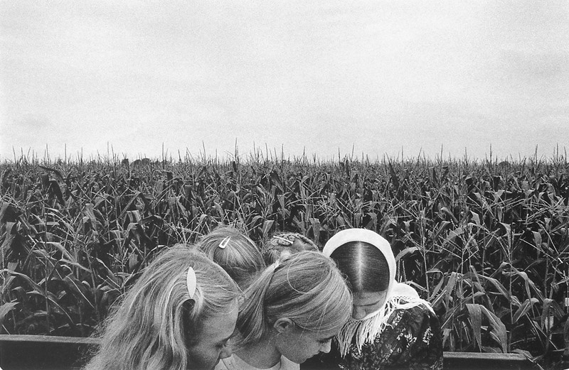 Larry Towell, Fillettes originaires de Zacatecas au Mexique (comté de Kent, Ontario). © Larry Towell