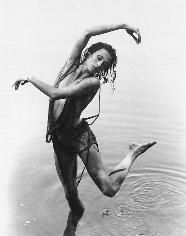 Cylla von Tiedemann, Pool of Venus (Claudia Moore), Blue Mogul, Ontario, 1986. ©Cylla von Tiedemann
