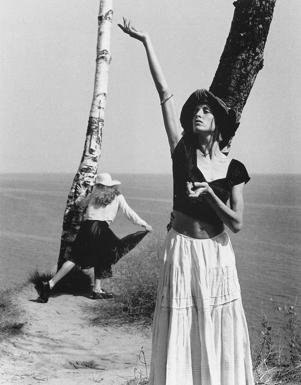 Cylla von Tiedemann, Bodytalk (Julia Vllen & Caroline Richardson), Toronto, 1992. ©Cylla von Tiedemann