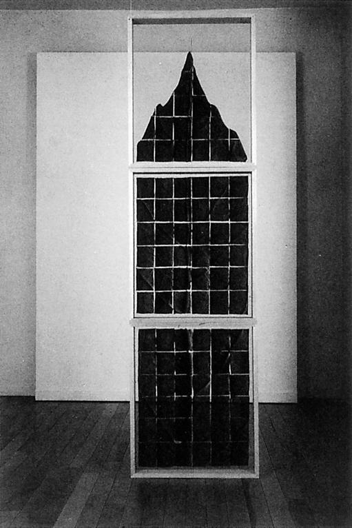 Roberto Pelligrinuzzi, Sans titre, 1993, images négatives en noir et blanc, 207.5 x 57.5 x 10 cm, courtoisie de la Galerie Verticale, Québec. © Roberto Pellegrinuzzi