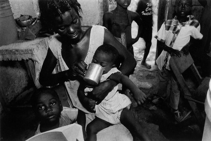 Benoît Aquin, Jeremie, Haïti (de la série Haïti Chérie), 1990, 40.6 x 50.8 cm. © Benoît Aquin