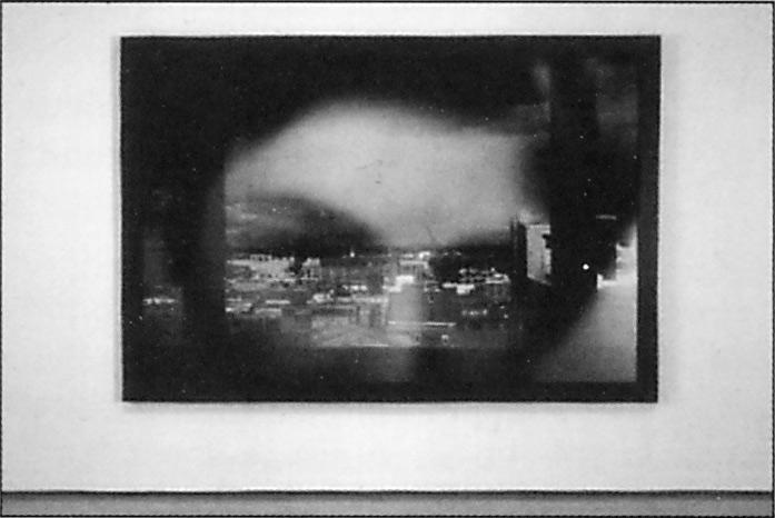 Sylvie Readman, Autoportrait à la fenêtre, 1993, émulsion photographique, 169.5 x 247.5 cm. © Sylvie Readman