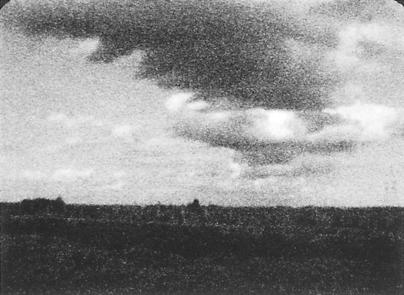 Michel Lamothe, Nuage, 1991, épreuve argentique reproduite par contact. ©Michel Lamothe