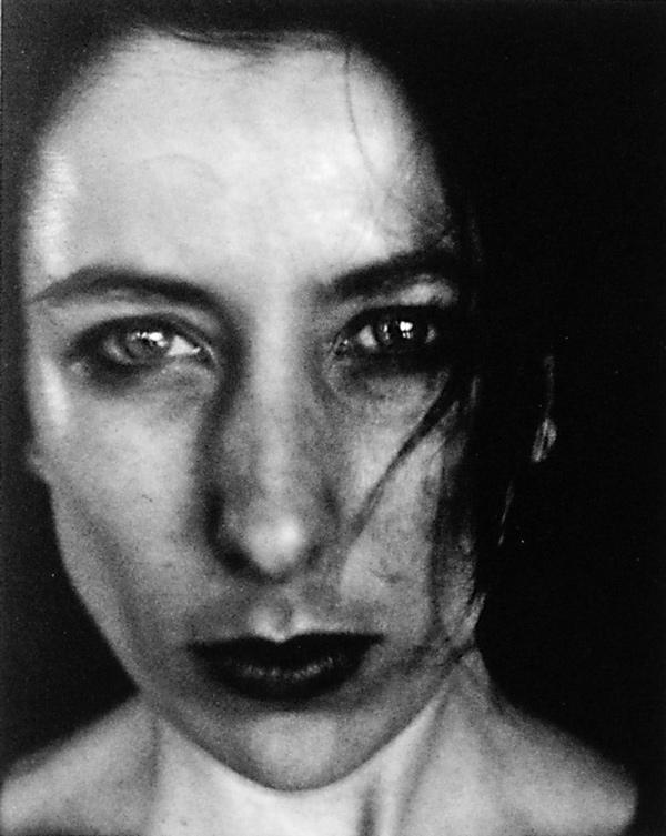 Anne-Marie Zeppetelli, Making Fire, 1994, épreuve argentique. ©Anne-Marie Zeppetelli