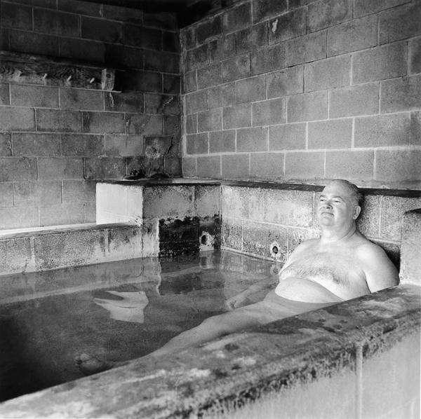Ruth Kaplan, Mineral Bath, Big Sur, California 1991. ©Ruth Kaplan