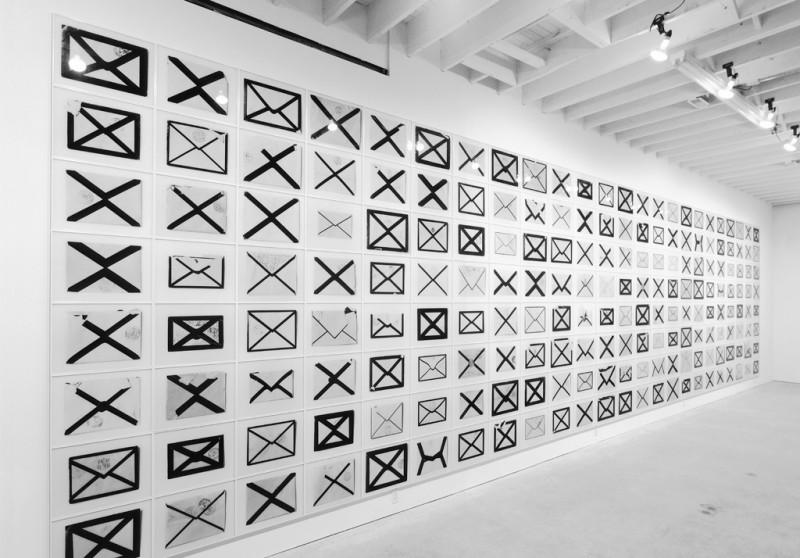 Arnaud Maggs, Éléments de la série Notification et vue de l'installation à la Susan Hobbs Gallery, à Toronto, en 1996. © Arnaud Maggs