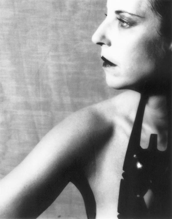 P. M. Hoblargan, Mademoiselle Katia, 1990, éléments de la série Dernier album, 1885-1923. © P. M. Hoblargan