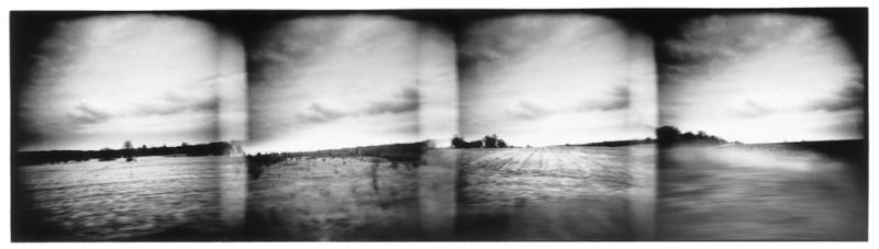 Dolores Baswick, Sans titre, de la sérieThe Transitional Place, film noir et blanc, 22 x 35.5 cm, 1996. © Dolores Baswick