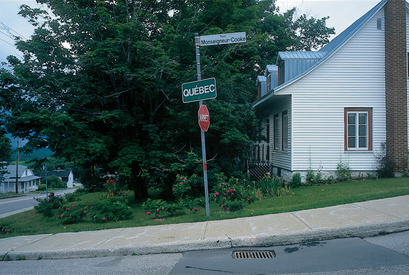 Marlene Creates, Elements of the series Limites municipales, Québec, 1997. © Marlene Creates.