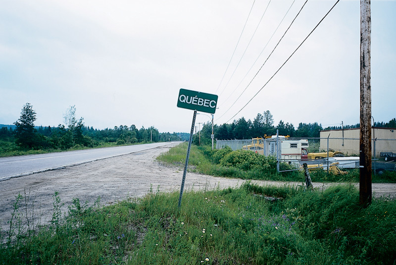 Marlene Creates, Elements of the series Limites municipales, Québec, 1997. © Marlene Creates.