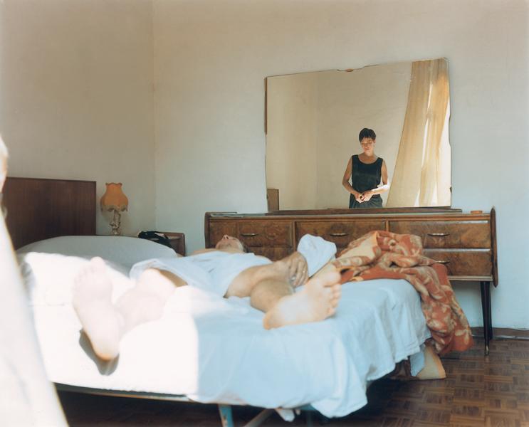 Laura Letinsky, Untitled (Laura and Eric – Hands), 1995, de la série Venus Inferred, 50 x 60 cm. ©Laura Letinsky