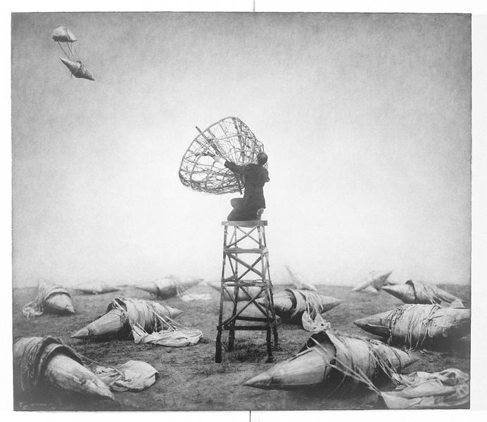 Robert ParkeHarrison, Oppenheimer's Garden, 102,2 x 114,9 cm, épreuve argentique, média mixte, montée sur panneau, 1999. ©Robert ParkeHarrison