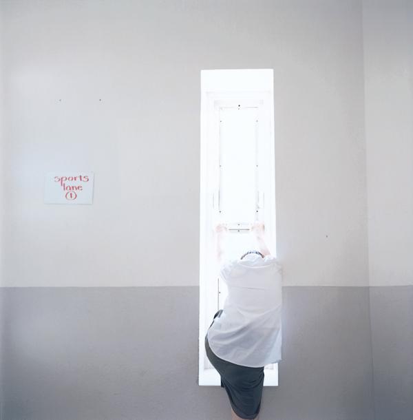 Ève K.Tremblay, Le mauvais départ, épreuves couleur, 39 x 39 cm, 2000. © Ève K. Tremblay