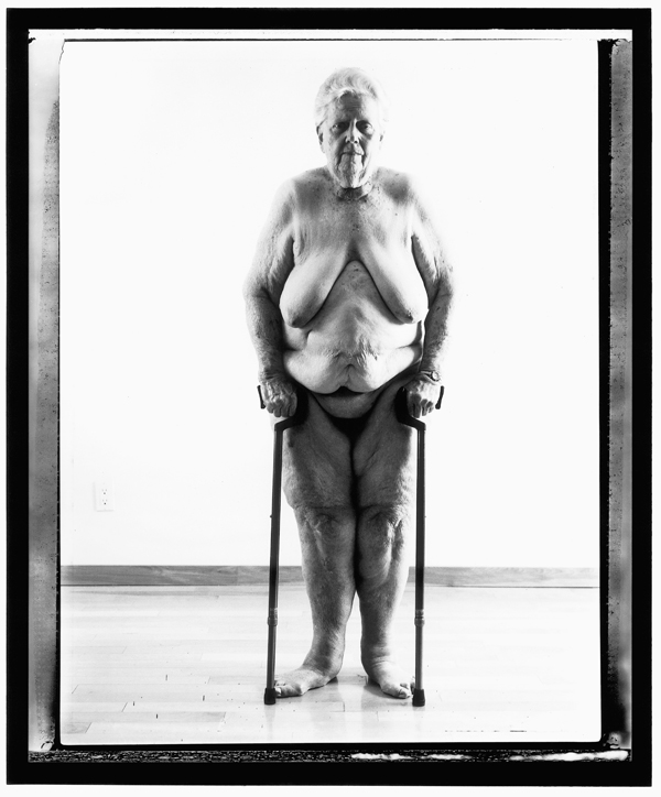 Evergon, from the series Margaret and I: Margaret Standing (Front), 229 x 122 cm, épreuves argentiques, 2001. ©Evergon