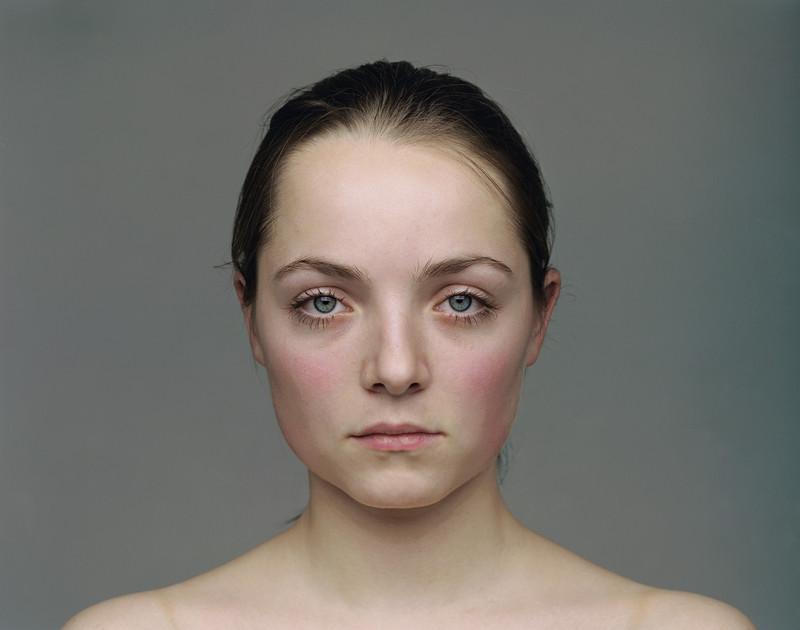 Olivier Christinat, Portraits et nus, deux séries de cinq exemplaires, épreuves couleur sur Fuji Cristal Archives, 50 x 60 cm et 80 x 100 cm, 1998-2001: Semira. ©Olivier Christinat
