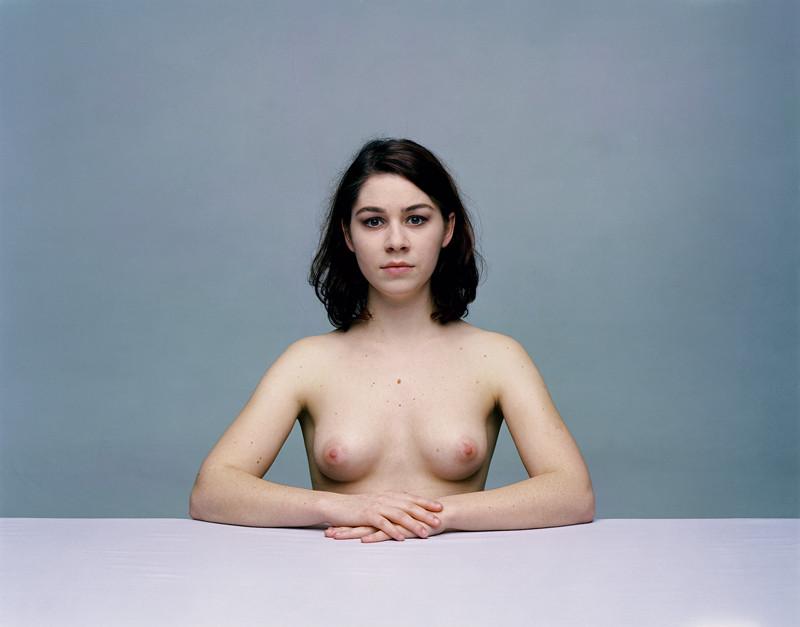 Olivier Christinat, Portraits et nus, deux séries de cinq exemplaires, épreuves couleur sur Fuji Cristal Archives, 50 x 60 cm et 80 x 100 cm, 1998-2001: Bridget I. ©Olivier Christinat