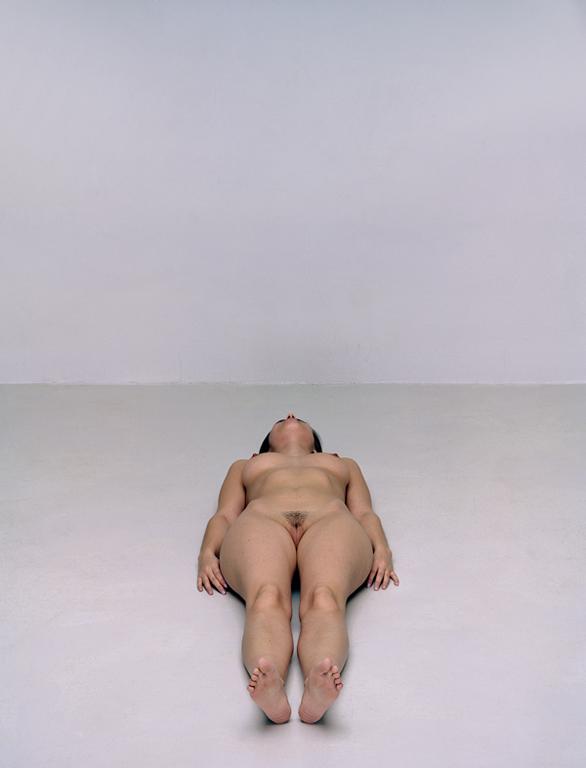 Olivier Christinat, Portraits et nus, deux séries de cinq exemplaires, épreuves couleur sur Fuji Cristal Archives, 50 x 60 cm et 80 x 100 cm, 1998-2001: L'Épouse. ©Olivier Christinat