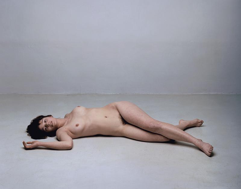 Olivier Christinat, Portraits et nus, deux séries de cinq exemplaires, épreuves couleur sur Fuji Cristal Archives, 50 x 60 cm et 80 x 100 cm, 1998-2001: Claire V. ©Olivier Christinat