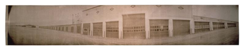 Jean-Philippe Lemay, À louer, 2000, van dyck brown sur papier stonehenge, 64 x 348 cm. © Jean-Philippe Lemay