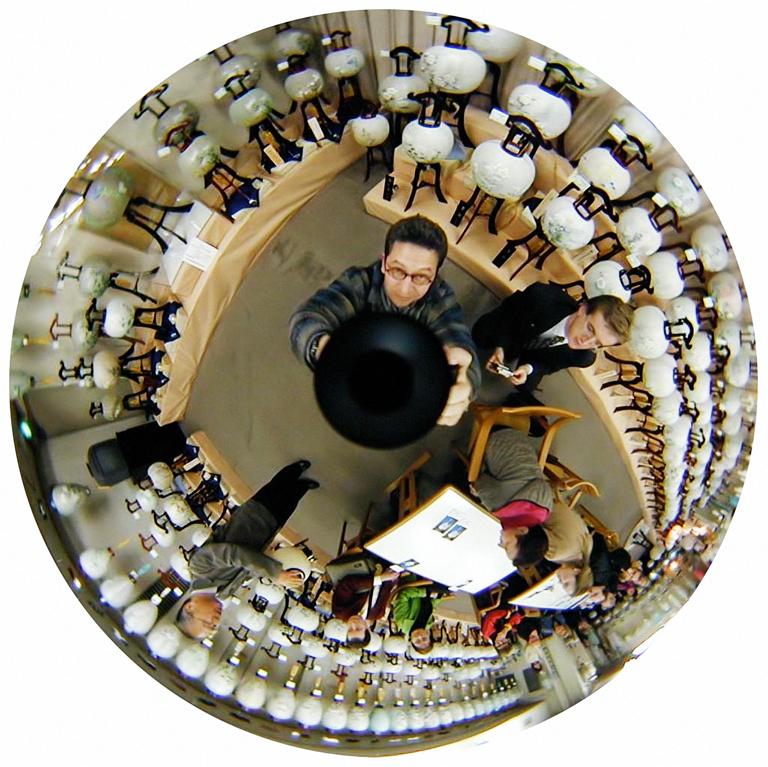 Luc Courchesne, 00 / 11 / 20 1 – Gifu City, 2000-2001, de la série Journal panoscopique, photographies numériques, 25 cm de diameter. © Luc Courchesne