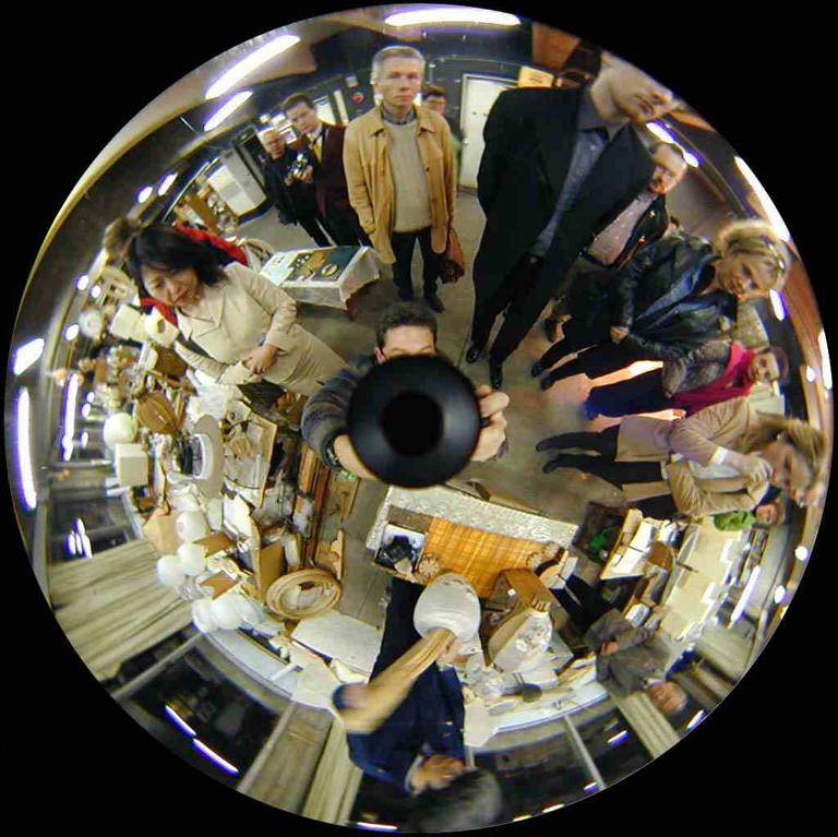 Luc Courchesne, 00 / 11 / 20 4 – Gifu City, 2000-2001, de la série Journal panoscopique, photographies numériques, 25 cm de diameter. © Luc Courchesne