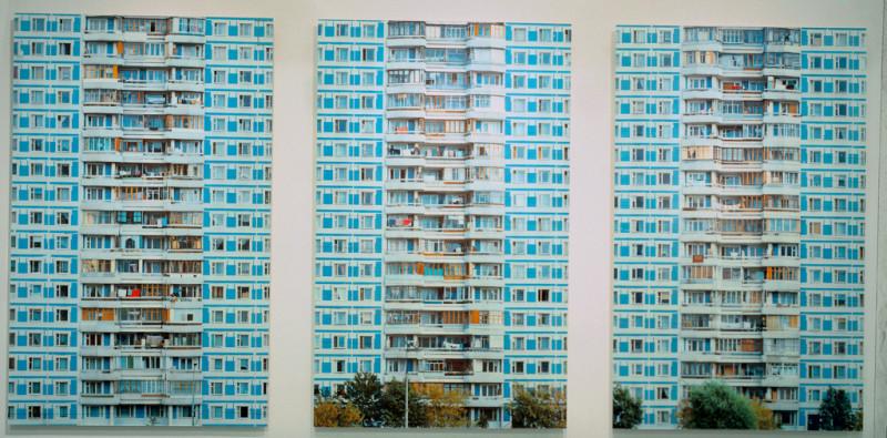Stéphane Couturier, Moscou Triptyque no 1 – Vertical, 1999-2000, épreuves couleur, 98 x 157 cm chacune. © Stéphane Couturier