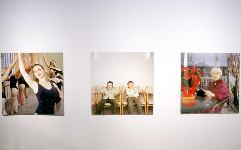 Doyon-Rivest, de la série Jusqu'où étiez-vous ?, 2003, 6 épreuves couleur, impression à jet d'encre, 93 x 93 cm chacune, photo : Johanne Poirier. © Doyon-Rivest