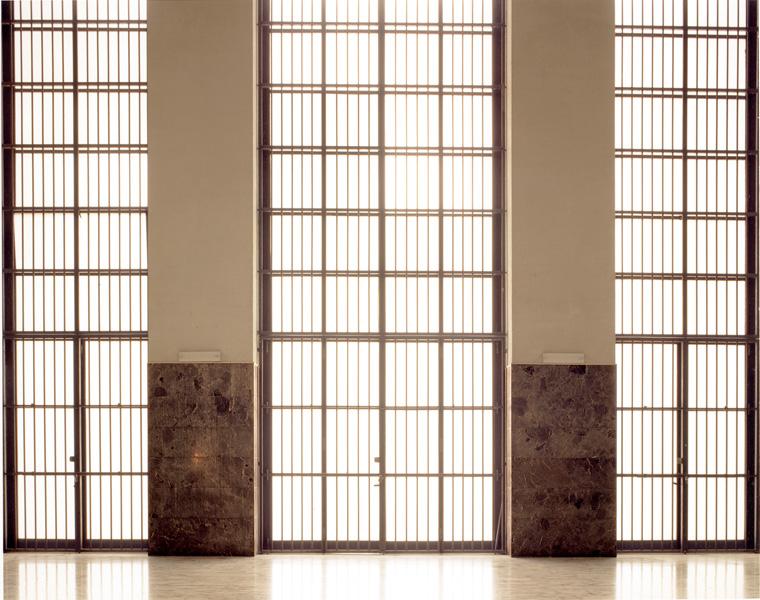 William Guerrieri, Palazzo del Rettorato, Roma, 2002, épreuve couleur, 100 x 125 cm. Avec l'autorisation de Progetto Artifex, Turin © William Guerrieri