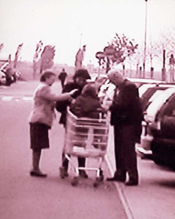 Marco Signorini, Motherway, 1999, photogrammes, du projet Via Emilia, Fotografia, luoghi e non luoghi I. © Marco Signorini