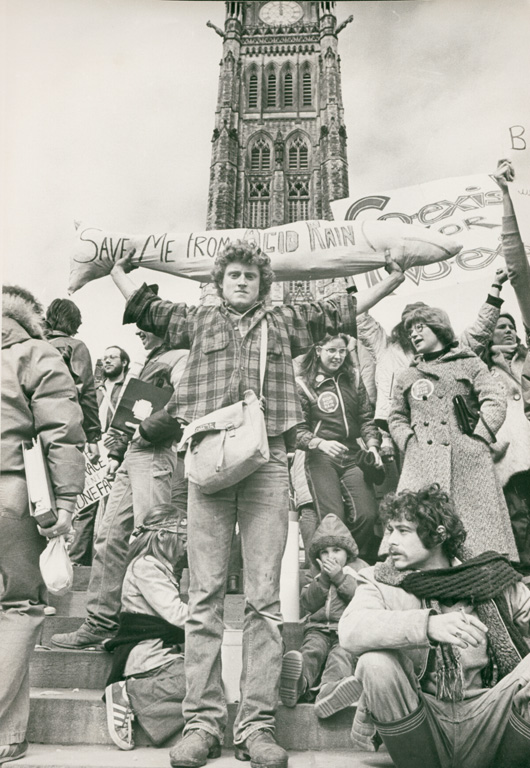 Chris Mikula, Protest on Hill, silver print, 1981, The Ottawa Citizen. © Tous droits reserves