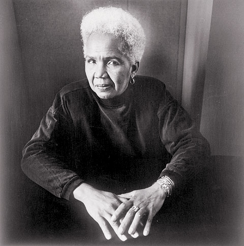 """Barbara Woodley, Rosemary Brown, Feminist and Politician, from """"Portraits: Canadian Women In Focus,"""" silver print, 1990, Labatt Breweries of Canada, Library and Archives of Canada PA-186871. © Tous droits reserves"""
