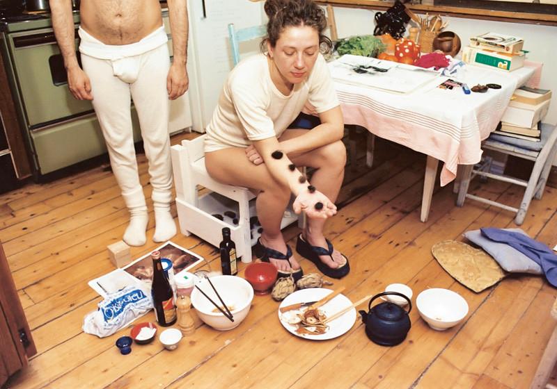 Massimo Guerrera , Simone et Olivier, rue St-Hubert (Porus), 2000, épreuves couleur et argentiques, 76 x 102 cm, 1998-2003, avec l'autorisation de la galerie Joyce Yahouda, Montréal. © Massimo Guerrera