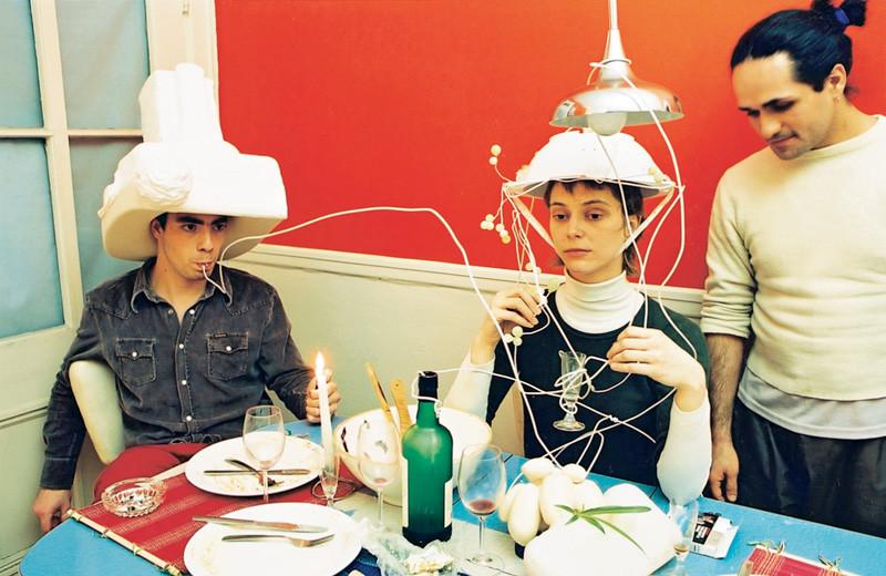 Massimo Guerrera , Sylvie, rue de la Visitation (Porus), 2002, épreuves couleur et argentiques, 76 x 102 cm, 1998-2003, avec l'autorisation de la galerie Joyce Yahouda, Montréal. © Massimo Guerrera
