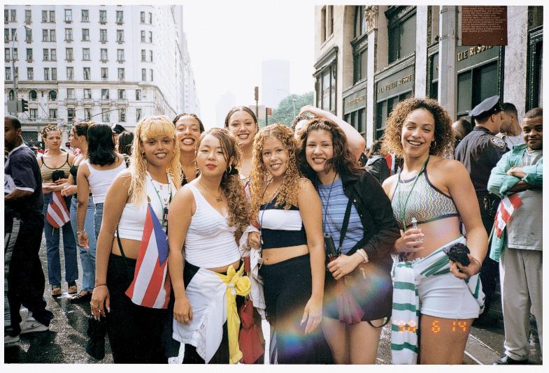 Nikki S. Lee, The Hispanic Project (1), 1998, courtesy Leslie Tonkonow Artworks + Projects, New York. © Nikki S. Lee