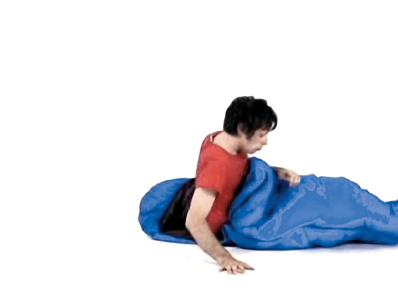 Pascal Grandmaison, 2000, Sleep 2 (extraits d'une vidéo couleur projetée en boucle, durée : 60 min.), collection Prêt d'œuvres d'art du Musée national des beaux-arts du Québec. © Pascal Grandmaison