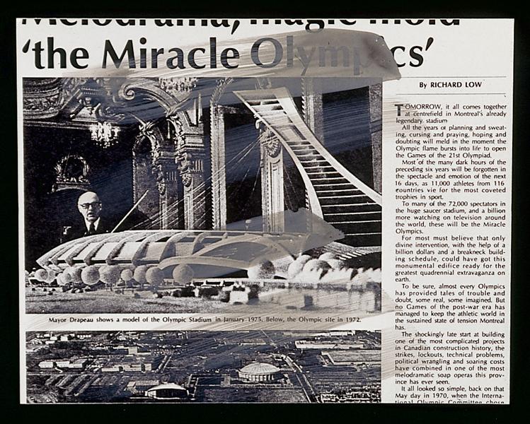 Melvin Charney UN DICTIONNAIRE… Méta-événements (séries 20 – 29): série 22 : Méta-échelle - planches 1, 3, 4, 5, 9 et 10 ; Fragmentation (séries 30 – 39) série 33 : Portes - planches 3, 4, 5, 6, 8 et 9. Toutes les œuvres reproduites sont extraites de UN DICTIONNAIRE… , 1970-2001, 427 planches regroupées en 46 séries, acrylique sur épreuves argentiques à la gélatine montées sur carton archive, 27.8 x 35.5 ou 28 x 35 cm, collection du Centre canadien d'architecture, Montréal. © Melvin Charney/SODRAC (2010)