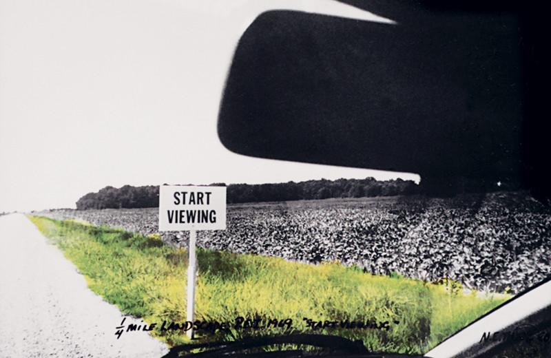 N.E. Thing Co., Quarter Mile Landscape (Prince Edward Island) (détail), 1969, trois épreuves argentiques colorées à la main, inscriptions, une carte routière, aquarelle et crayon sur papier. © N.E. Thing Co.