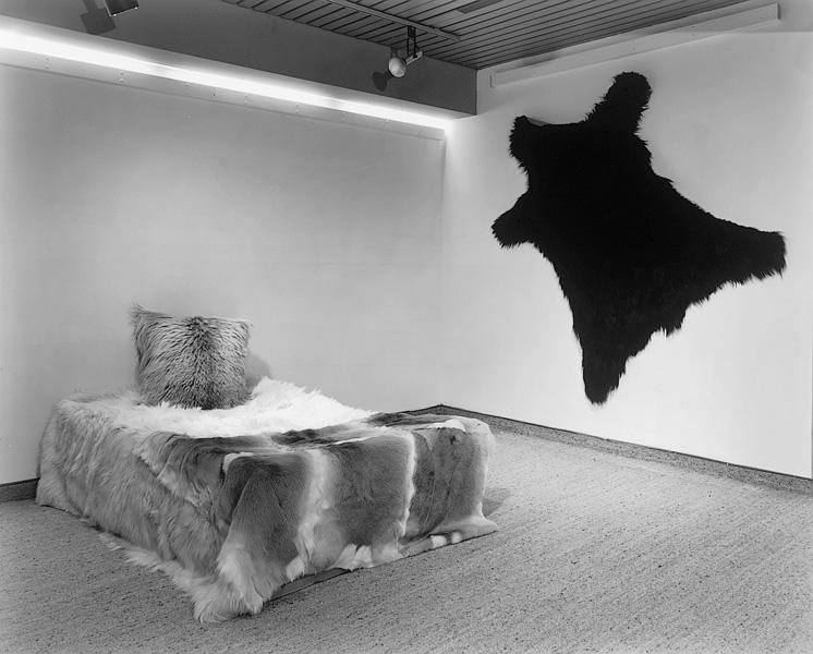 Lynne Cohen, Showroom, 1985, gelatin silver prints, 111 x 129 cm, P.P.O.W. New York. © Lynne Cohen