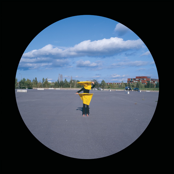 Manon De Pauw, Sémaphores (extraits). Série de 12 photographies numériques sur boîtes lumineuses, 91 x 91 cm, 2005. © Manon De Pauw