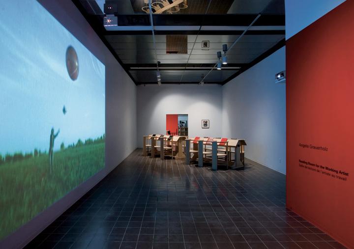 Angela Grauerholz, Reading Room for the Working Artist, installation at Galerie VOX image contemporaine, Montreal, 2006, photo:Michel Brunelle. © Angela Grauerholz