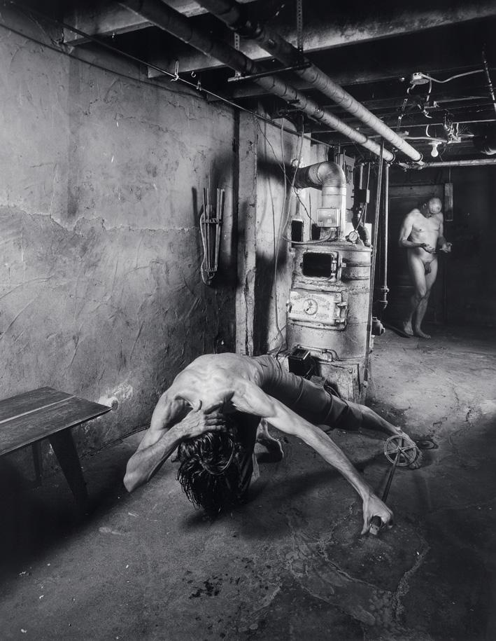 Matthieu Brouillard, Un soldat tombant (d'après La résurrection de Grünewald), 2005, 140 x 108 cm, 2005, tirages numériques lambda. © Matthieu Brouillard