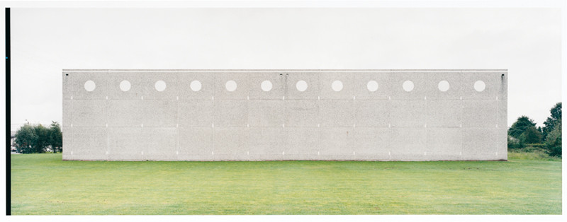Franck Breuer, Untitled, Schiphol NL, 2002; colour prints, 20.8 x 16.4 cm. © Franck Breuer