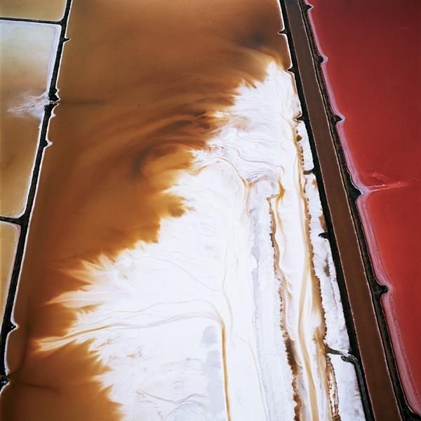 David Maisel, Black Maps: Terminal Mirage Series, 2003, chromogenic prints, 122 x 122 cm, courtesy of the Von Lintel Gallery, New York. © David Maisel
