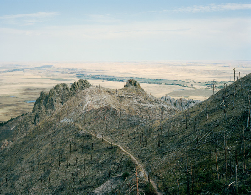 Jessica Auer, Bear Butte, South Dakota, 2006, 101,6 x 132,1 cm. © Jessica Auer