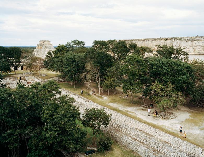 Jessica Auer, Uxmal, Mexico, 2006, 101,6 x 132,1 cm. © Jessica Auer