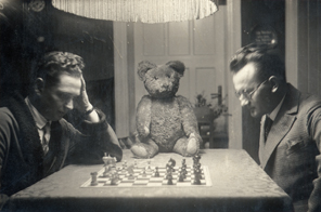 Partners (The Teddy Bear Project), 2002, selected vernacular images, sélection d'images vernaculaires.