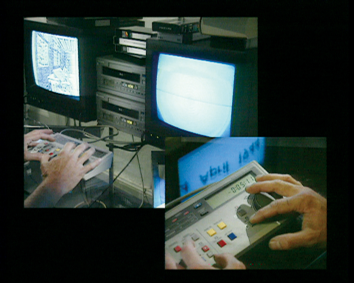 Harun Farocki, Section, 1995, color video, audio installation with two monitors, Photo : Paul Smith, Both images courtesy of the Leonard & Bina Ellen Gallery, Montreal. © Harun Farocki
