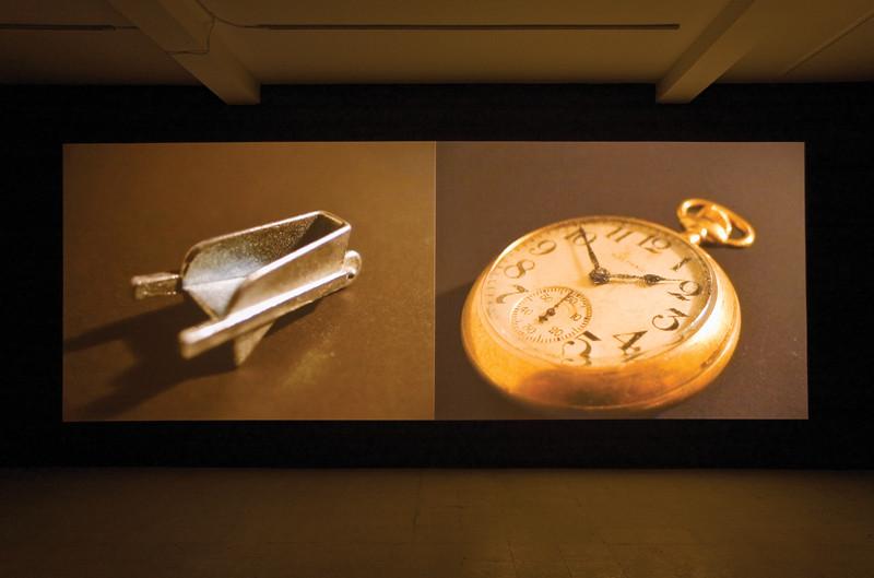 Nelson Henricks, Le plan de la ville, installation vidéo, dimensions variable, 2006, Photo : Guy L'Heureux. © Nelson Henricks